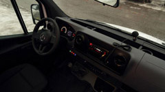 microbuze-mercedes-benz-categ-1-2-interior-2